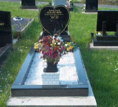Headstone and Kerbset